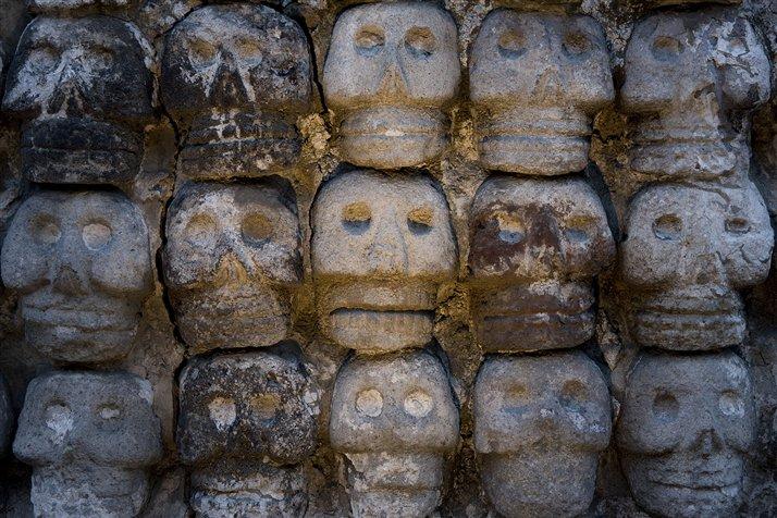 La muerte y sus ritos son un tema recurrente en la expresi?n pl?stica azteca, y una manifestaci?n del poder pol?tico y religioso. Foto: Kenneth Garrett