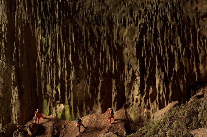 La cueva mas grande del mundo - National Geographic