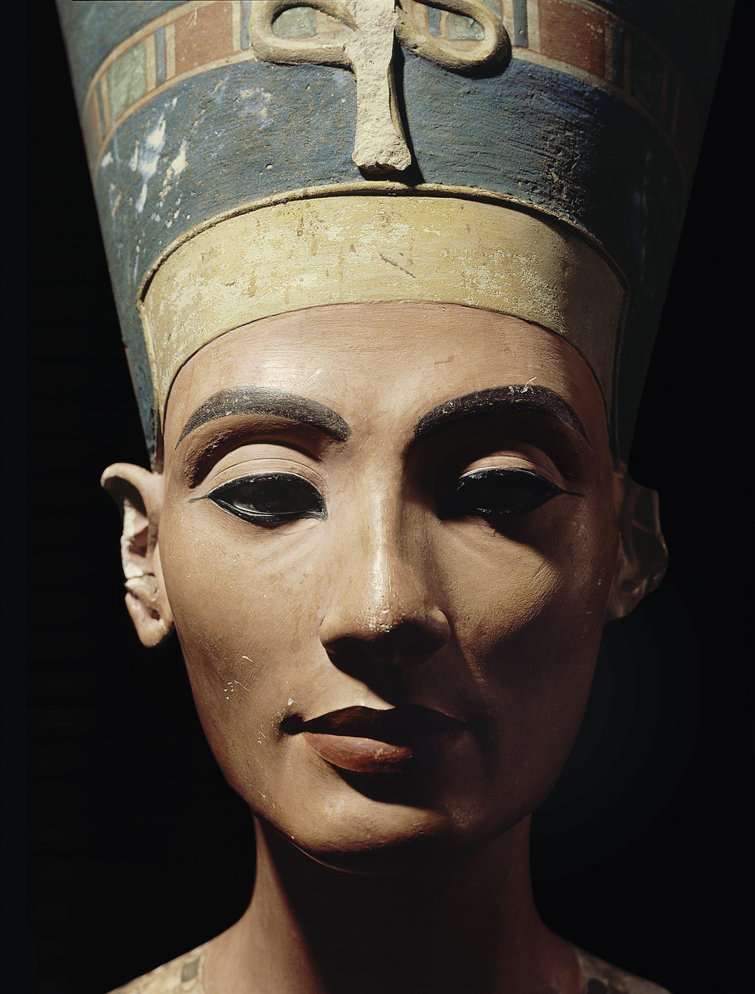 B006081D. Nefertiti