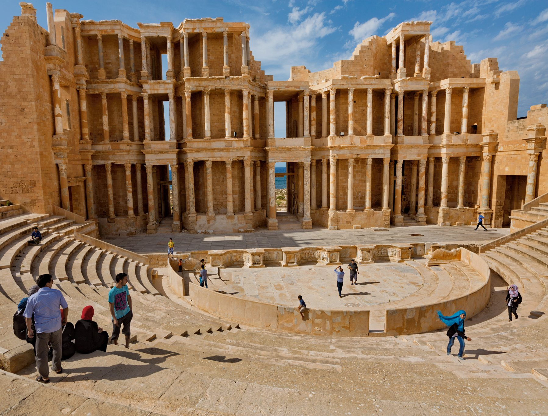 Old city at Ghat Oasis, Medina, Ghat, Libia Stock Photo ...   Libia