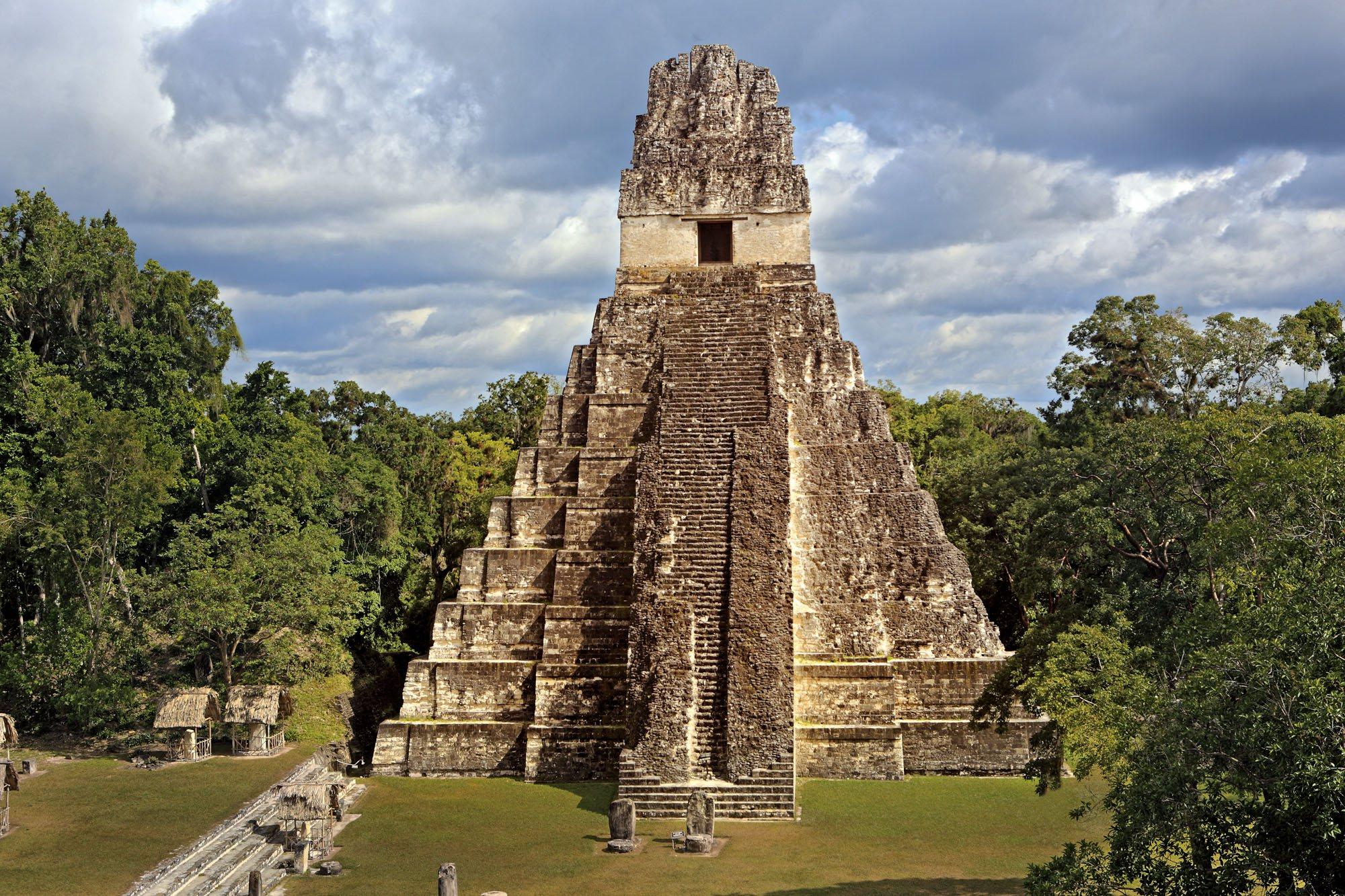 Guerreros de las ciudades mayas for Las construcciones de los mayas