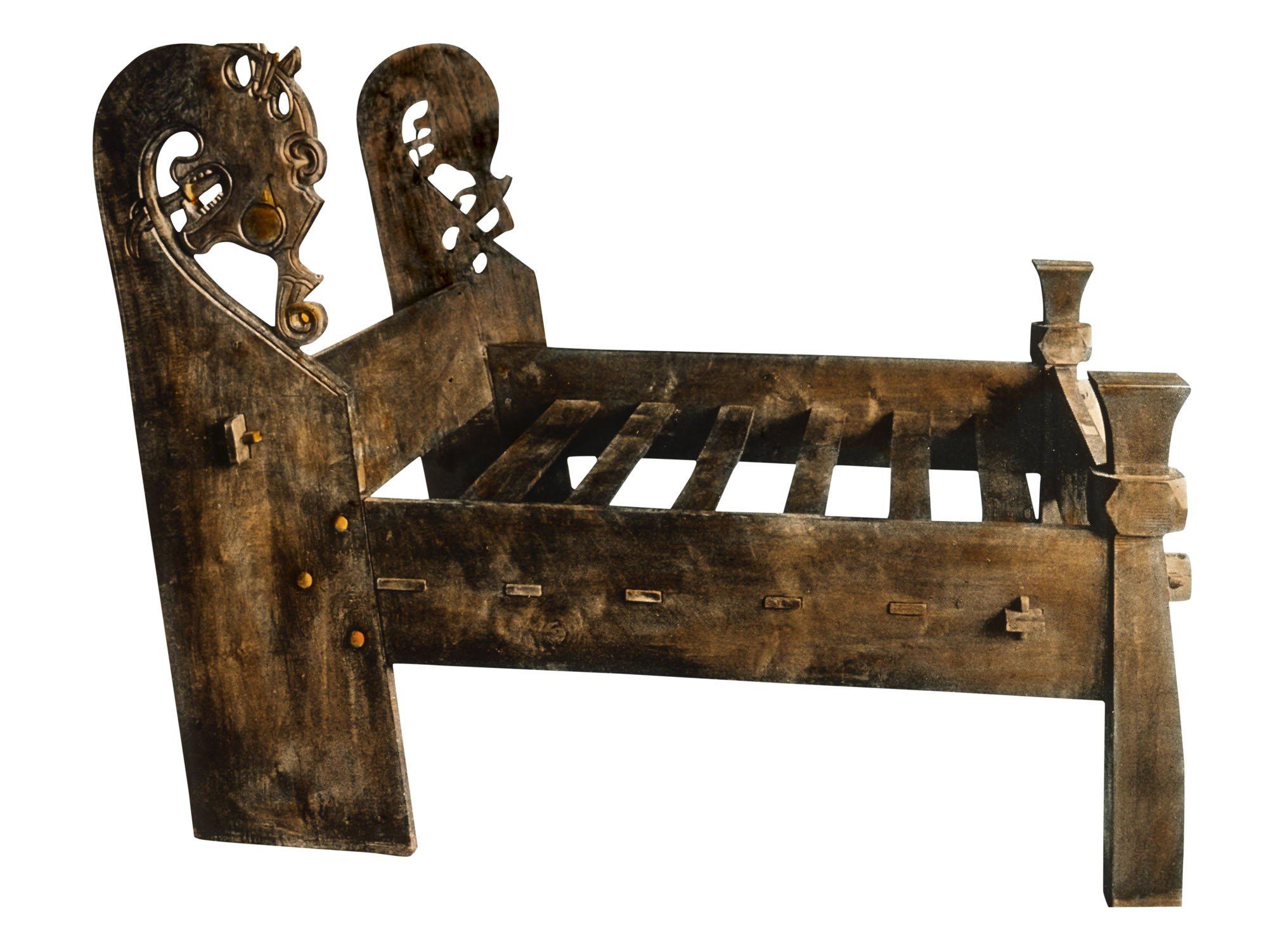 El barco de oseberg la tumba secreta de una reina vikinga for Viking muebles