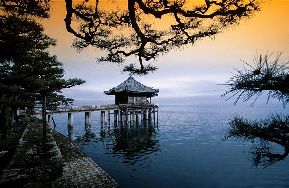 ESY-002628296. Lago Biwa