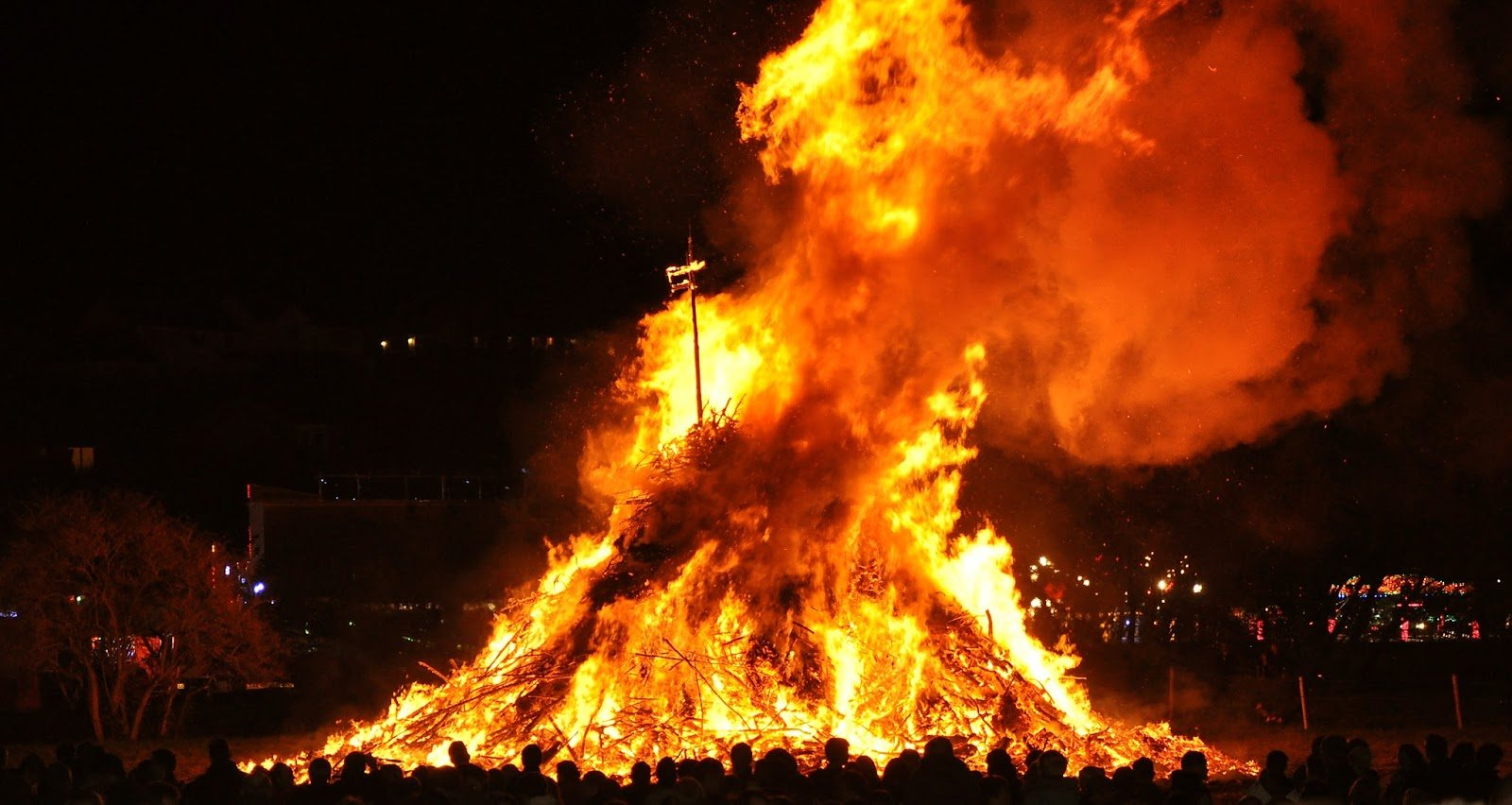 Enormous Bonfire. Bonfire Night