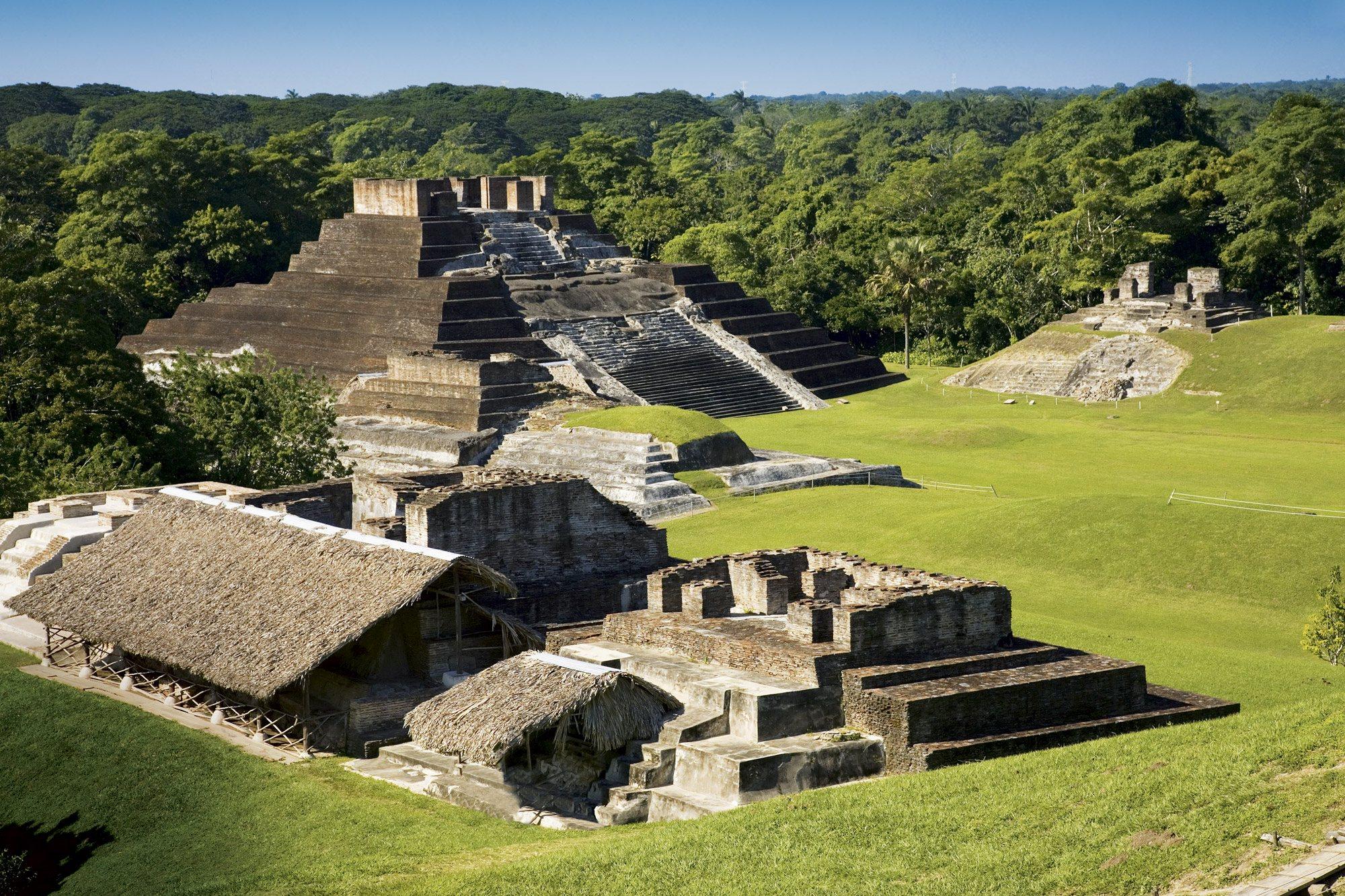 XV5-850546. La ciudad maya de Comalcalco