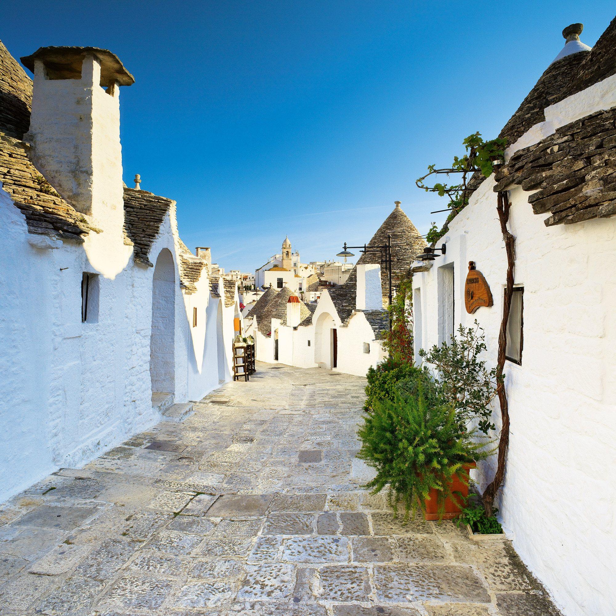 SIM-745187. Más de mil casas forman el núcleo antiguo de Alberobello
