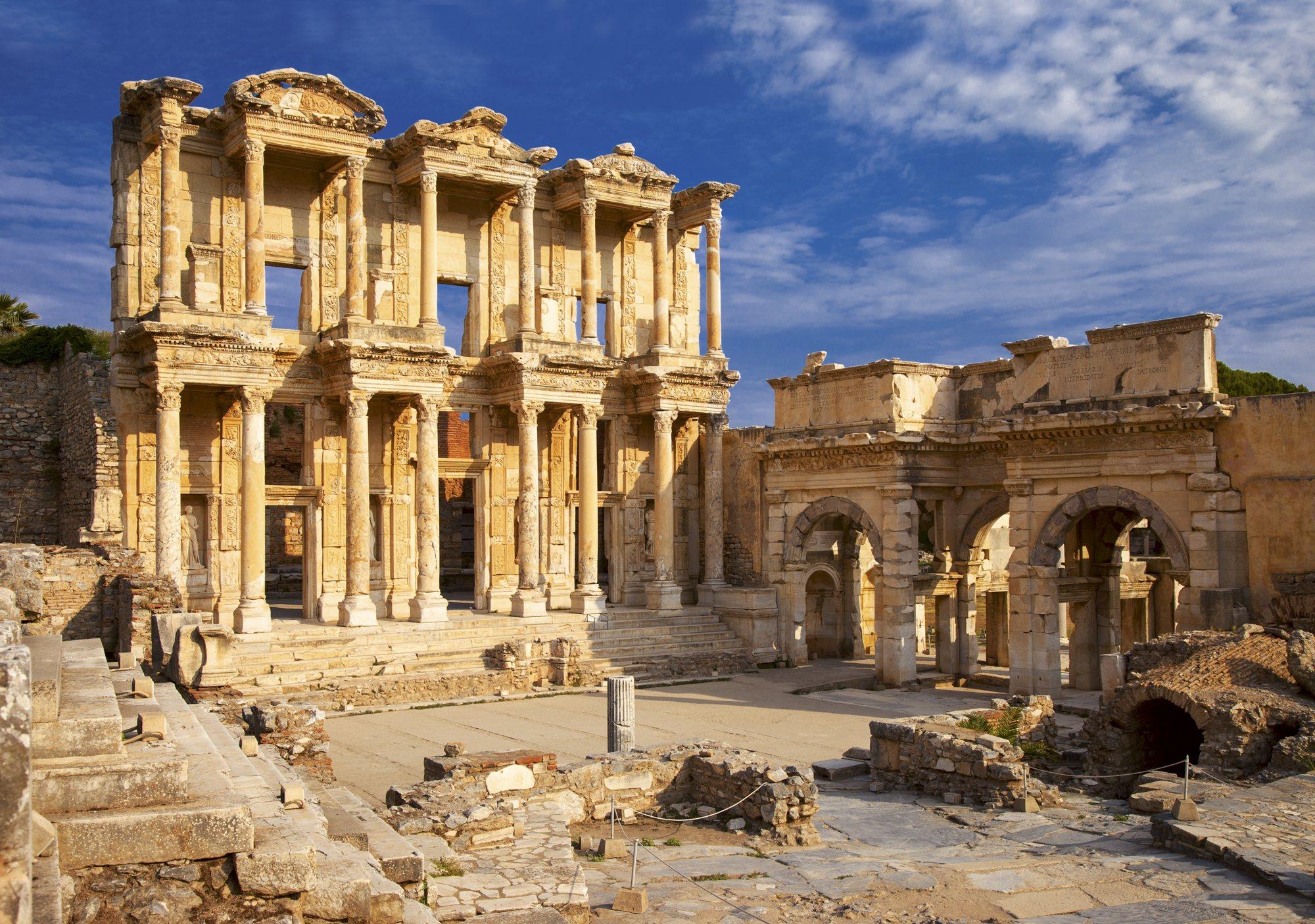 130 alejandria5. La biblioteca de Éfeso