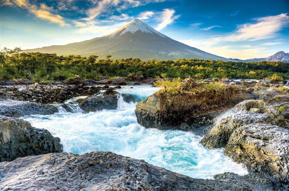 Montañas Nevadas En La Patagonia: Patagonia Chilena