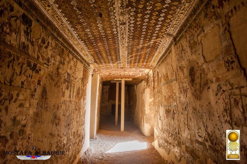 Pasajes secretos y c maras ocultas for Interior de una piramide