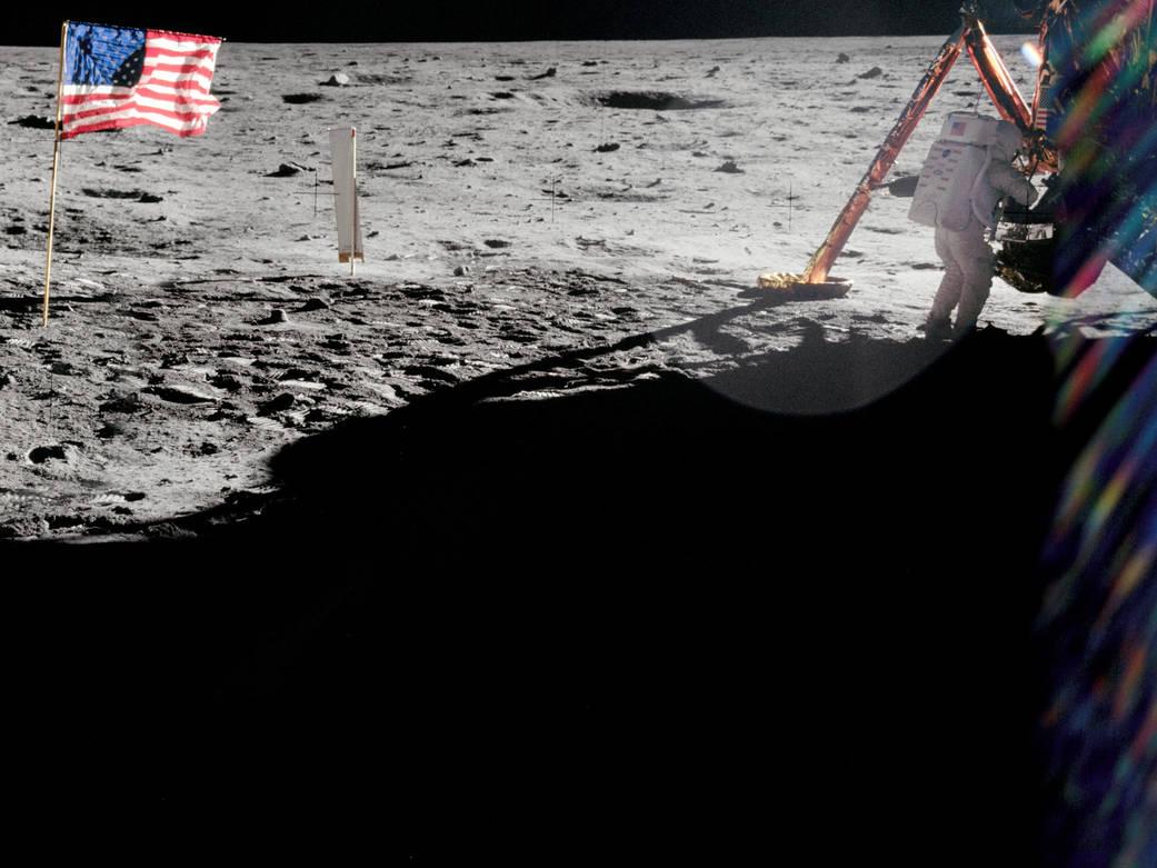 apolo 11 armstrong y bandera. Neil Armstrong y la bandera de Estados Unidos