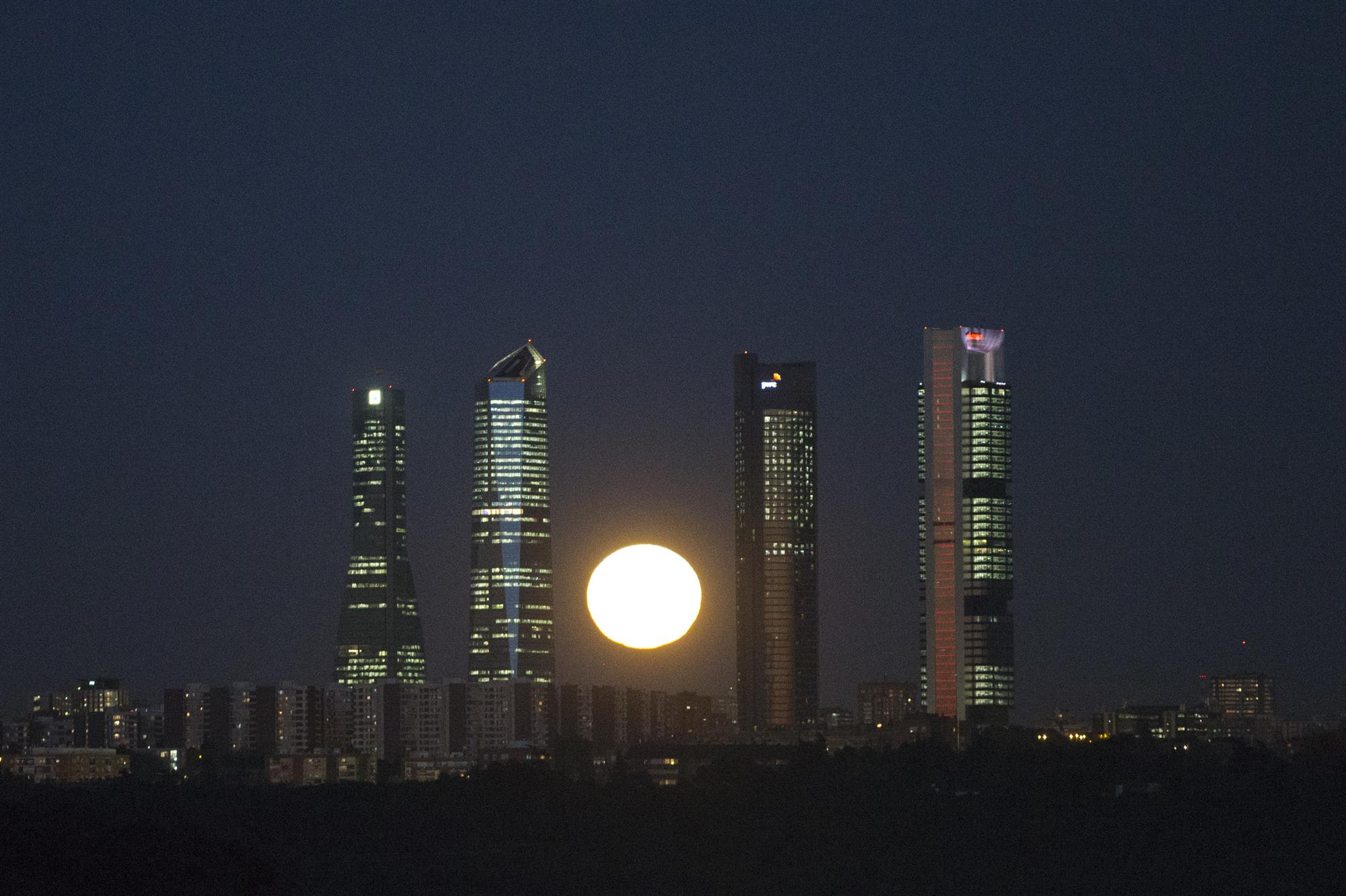 superlunamadrid. Madrid