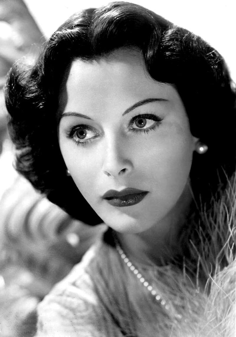 Hedy Lamarr -  WiFi
