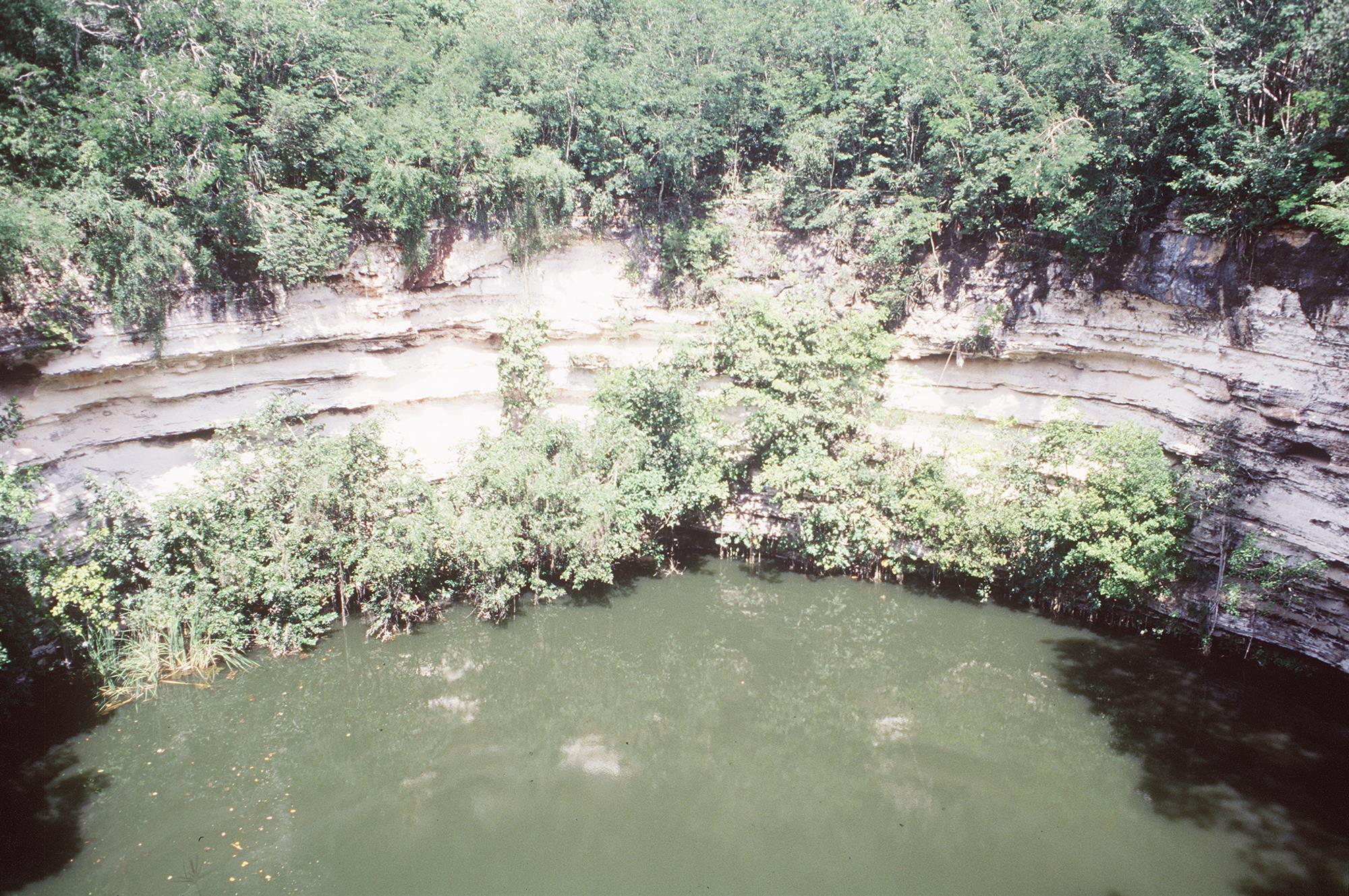 Cenote Sagrado 05. Cenote Sagrado