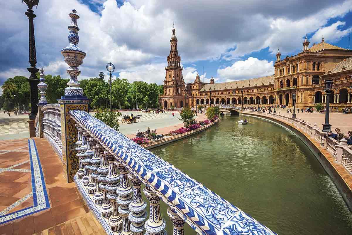 Sevilla, una ciudad donde la vida respira arte
