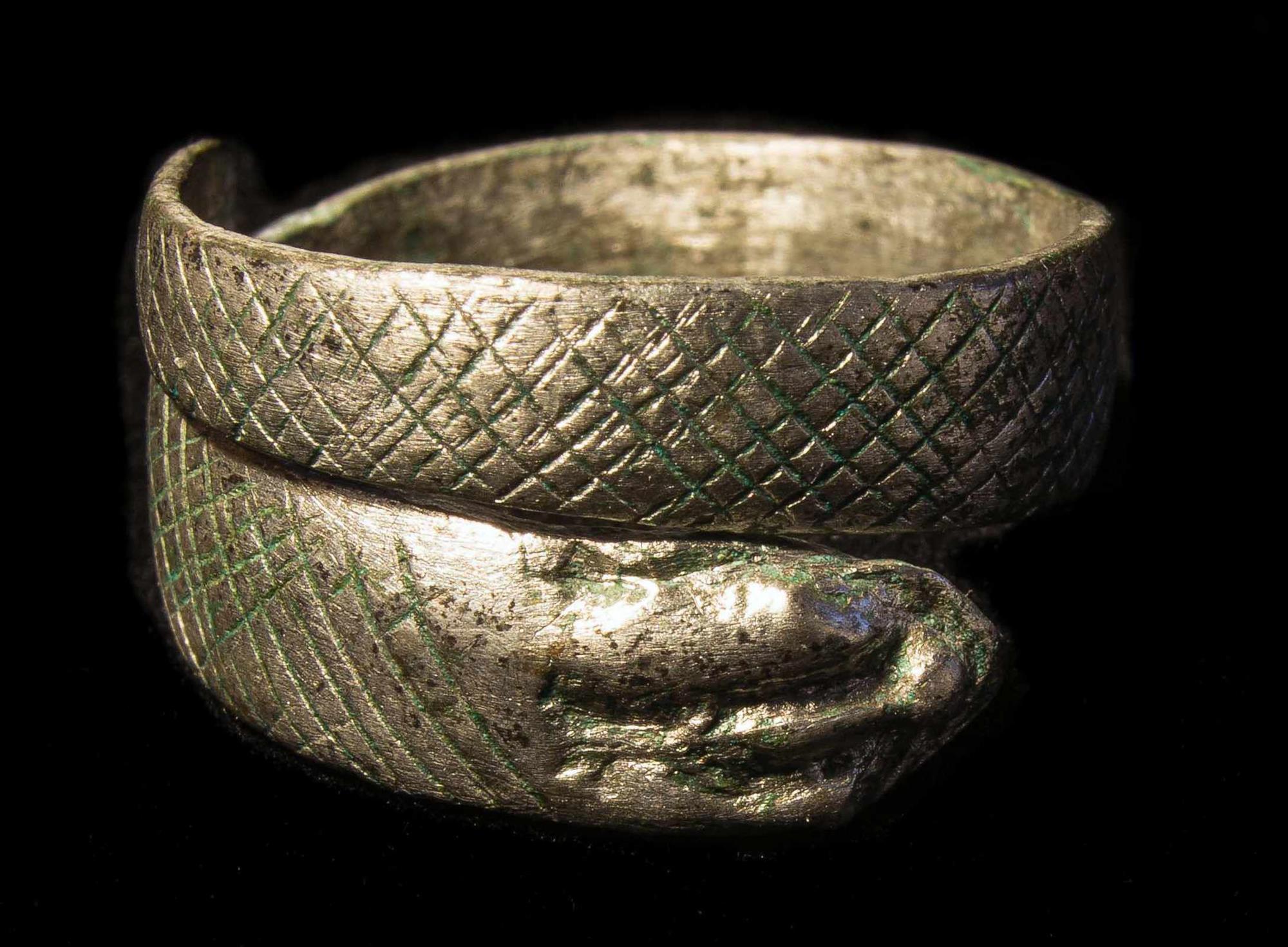 Zapatos, llaves, joyas y otros objetos romanos del norte de Inglaterra