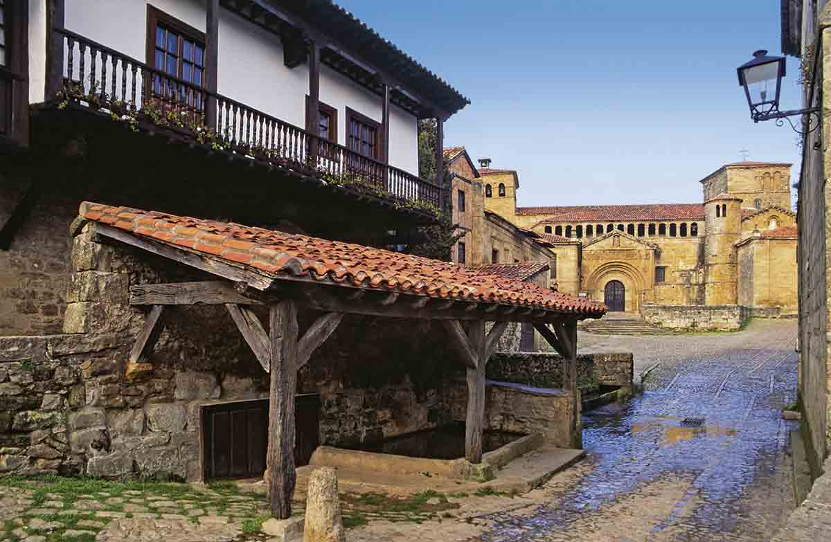 WE036924. Santillana del Mar