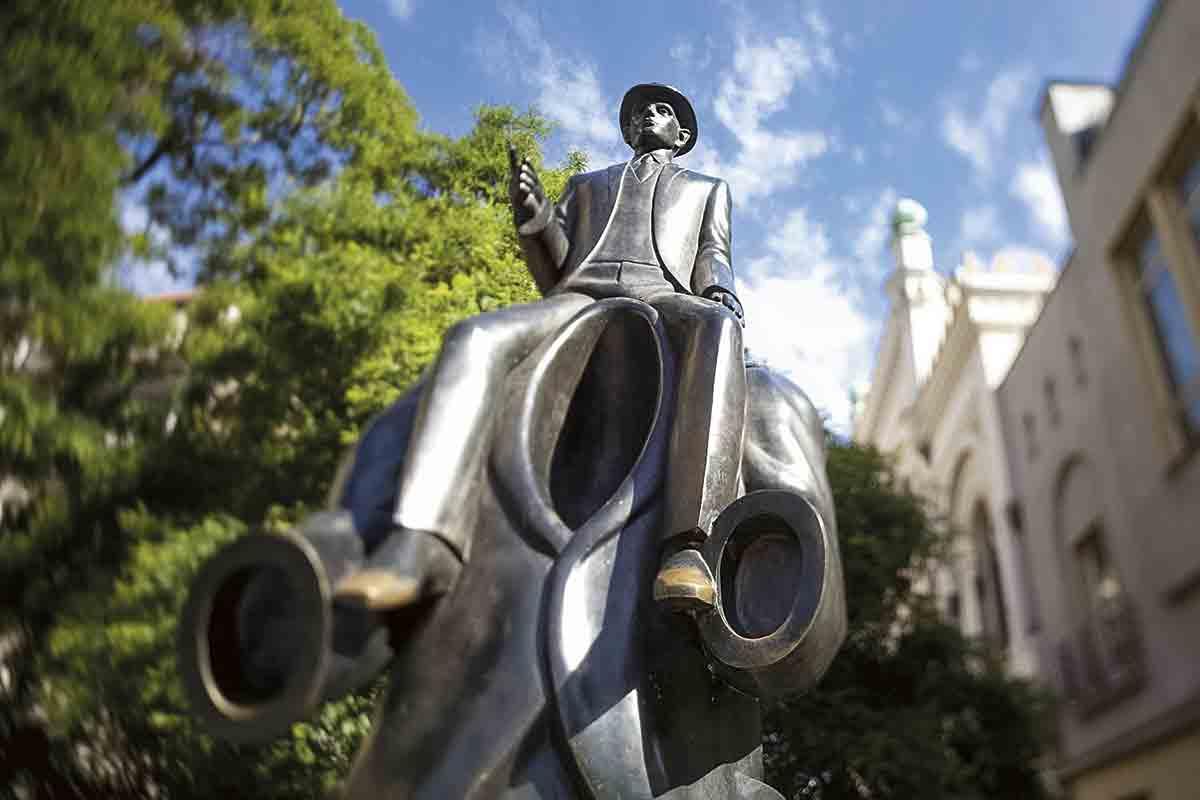 AWL CZ01270. Estatua de Kafka en el barrio Judío
