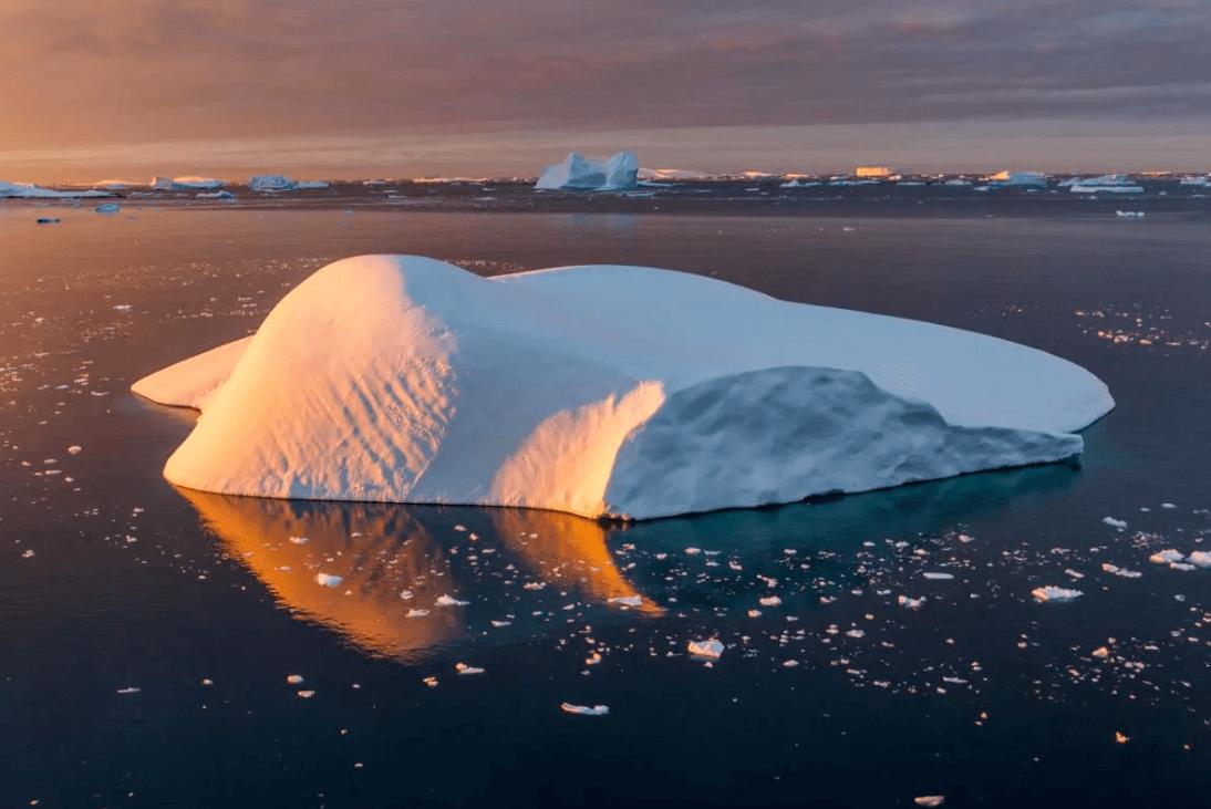 De glaciar a iceberg