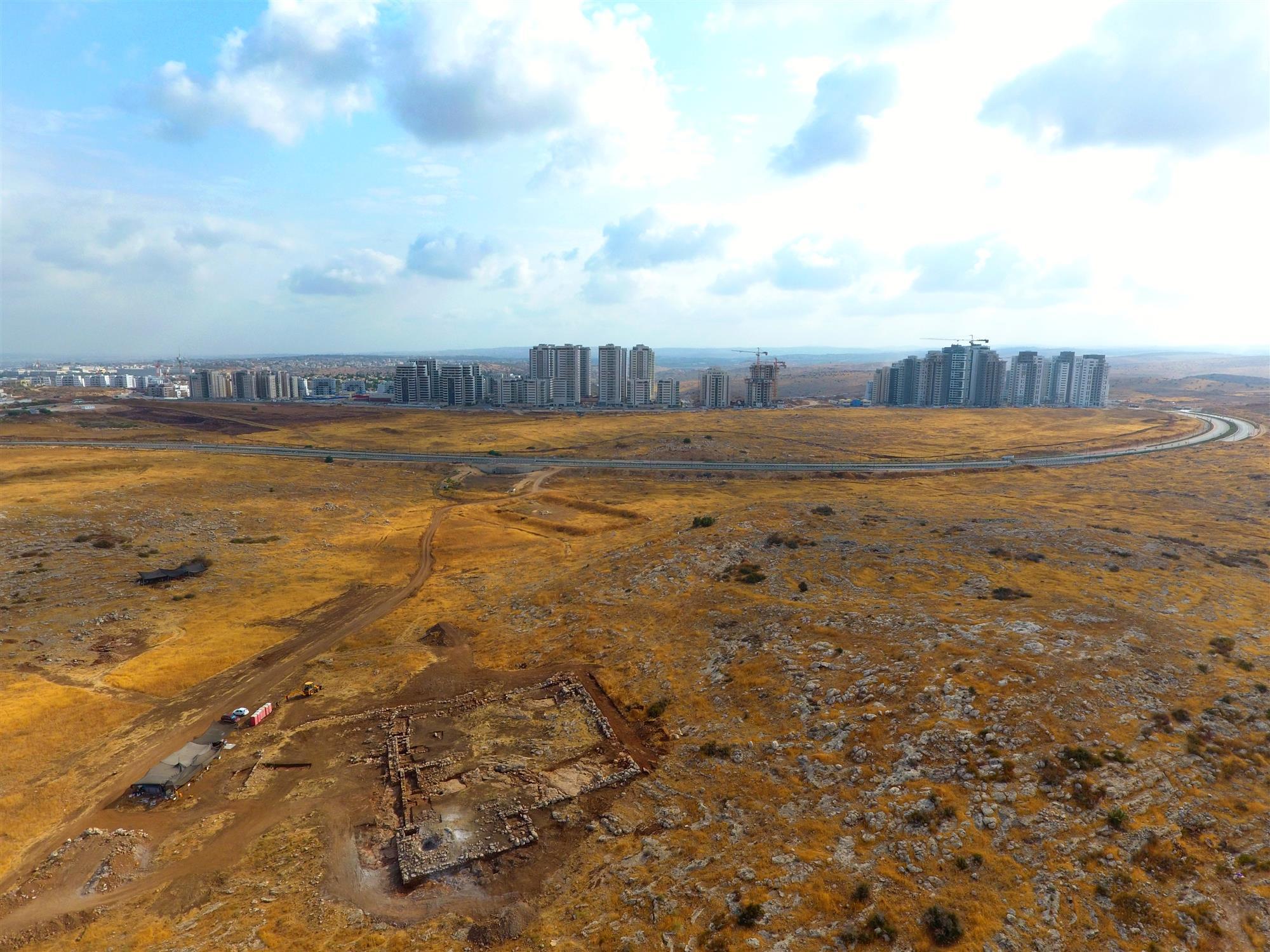 Hallado en Israel un enorme depósito subterráneo de finales de la Edad del Hierro