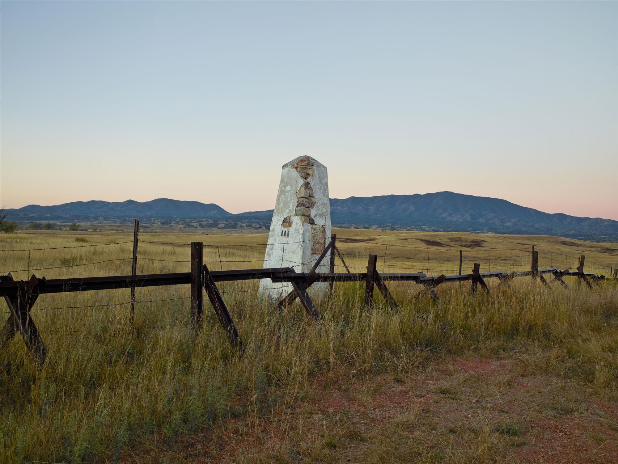 STOCK Marble Obelisk. Montumento fronterizo