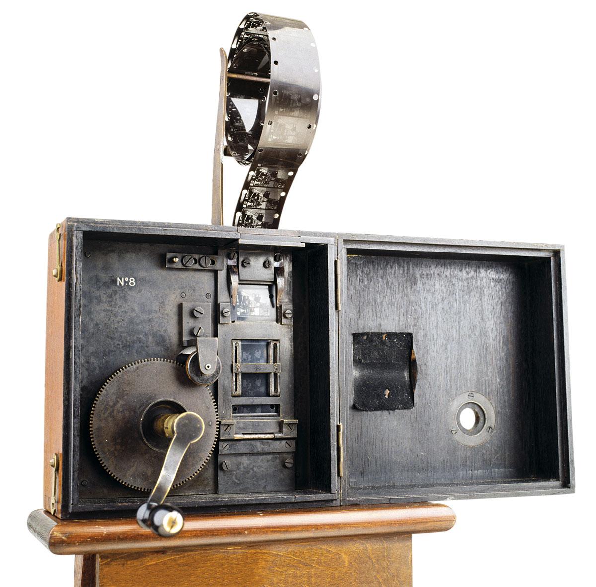 lumieres-cinematografo. Cinematógrafo inventado por los hermanos Lumière, 1895