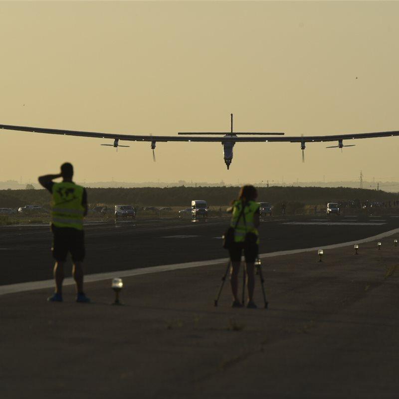 El primer vuelo transatlántico solar aterriza en España