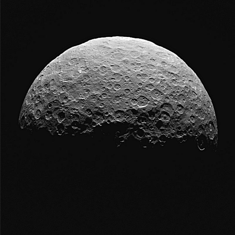 Nuevas pistas sobre la estructura interna de Ceres