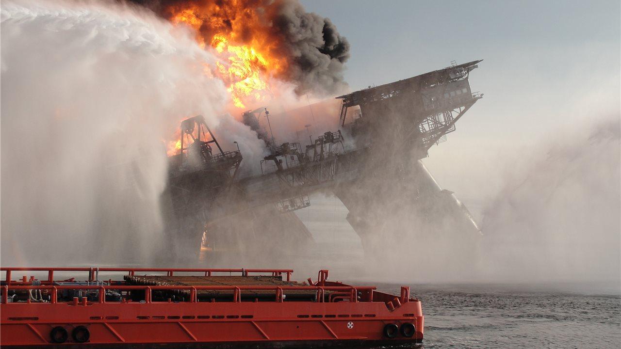 Resultado de imagen para tragedia del golfo de mexico 2010