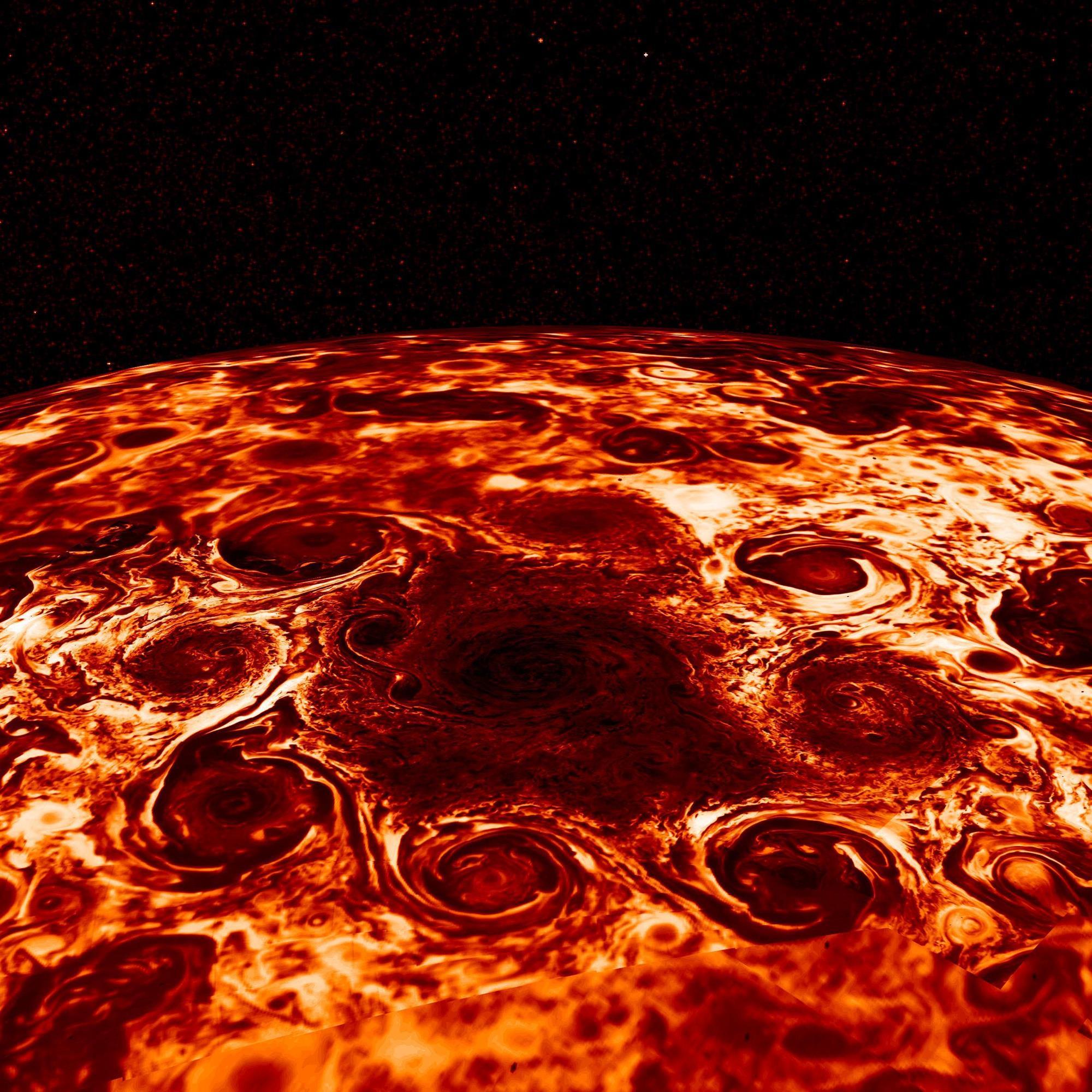 Impresionantes imágenes de Júpiter, un mundo turbulento y asimétrico