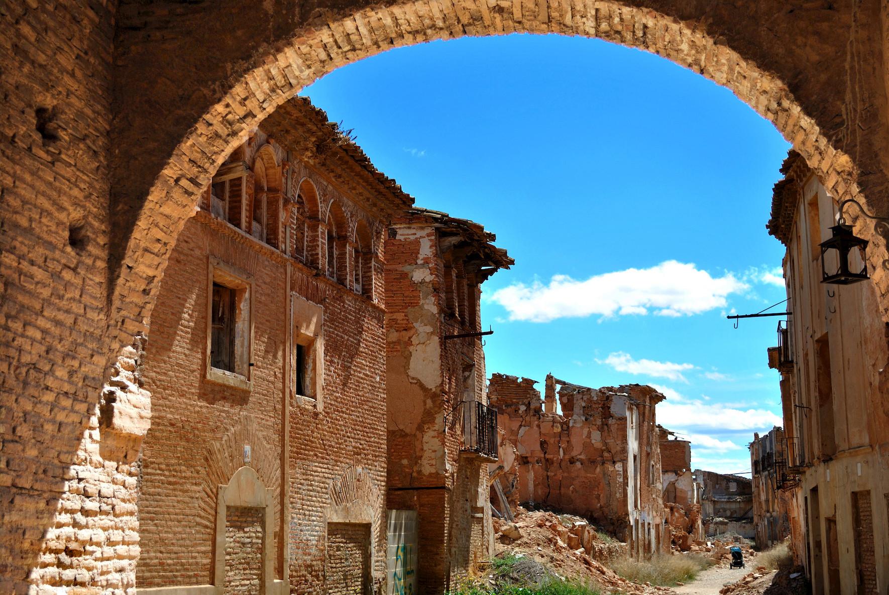 ciudad fantasma belchite. Belchite, España