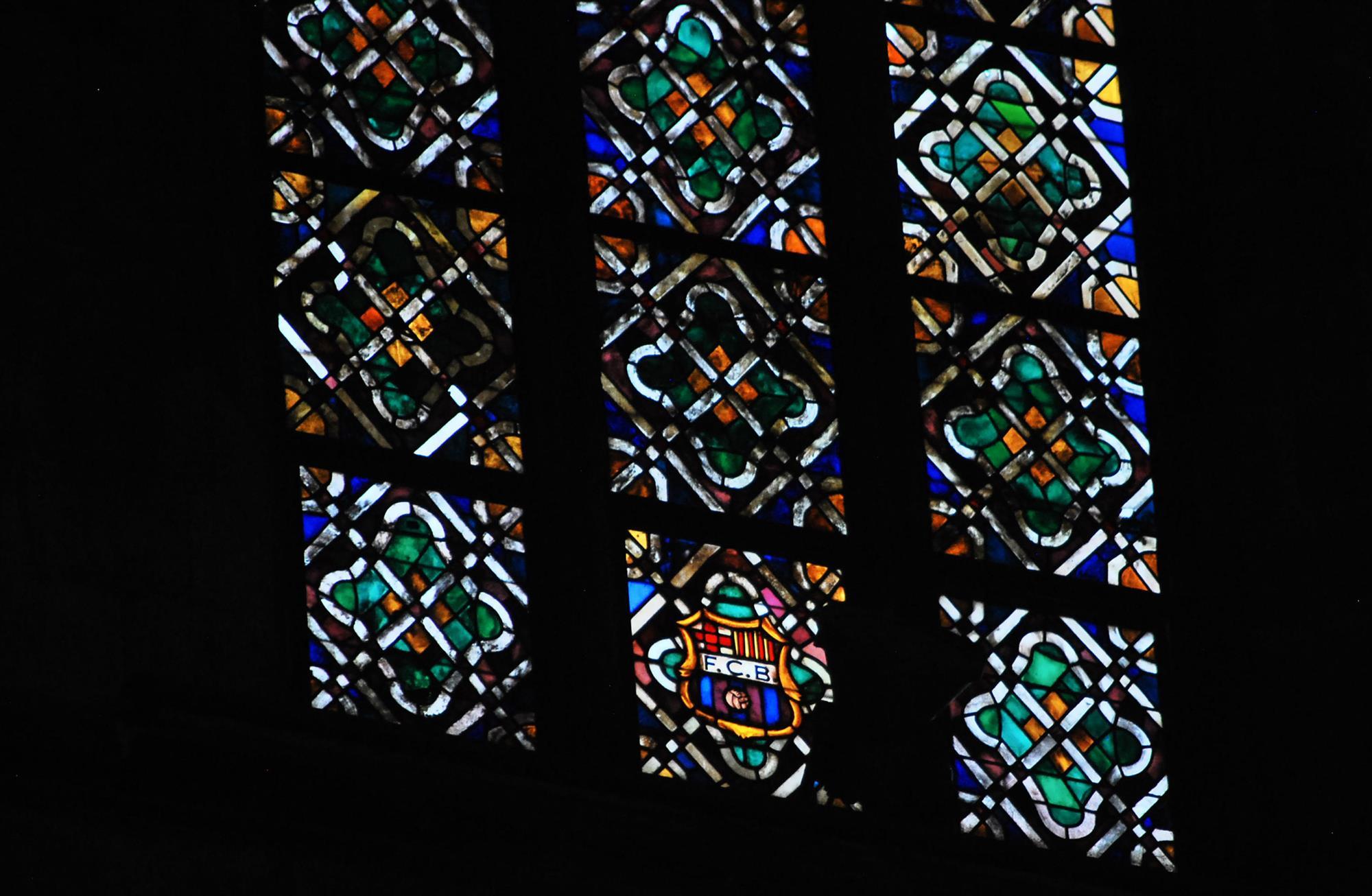 escudo-barca-catedral-mar. Escudo del F.C Barcelona en las vidrieras de la Catedral del Mar