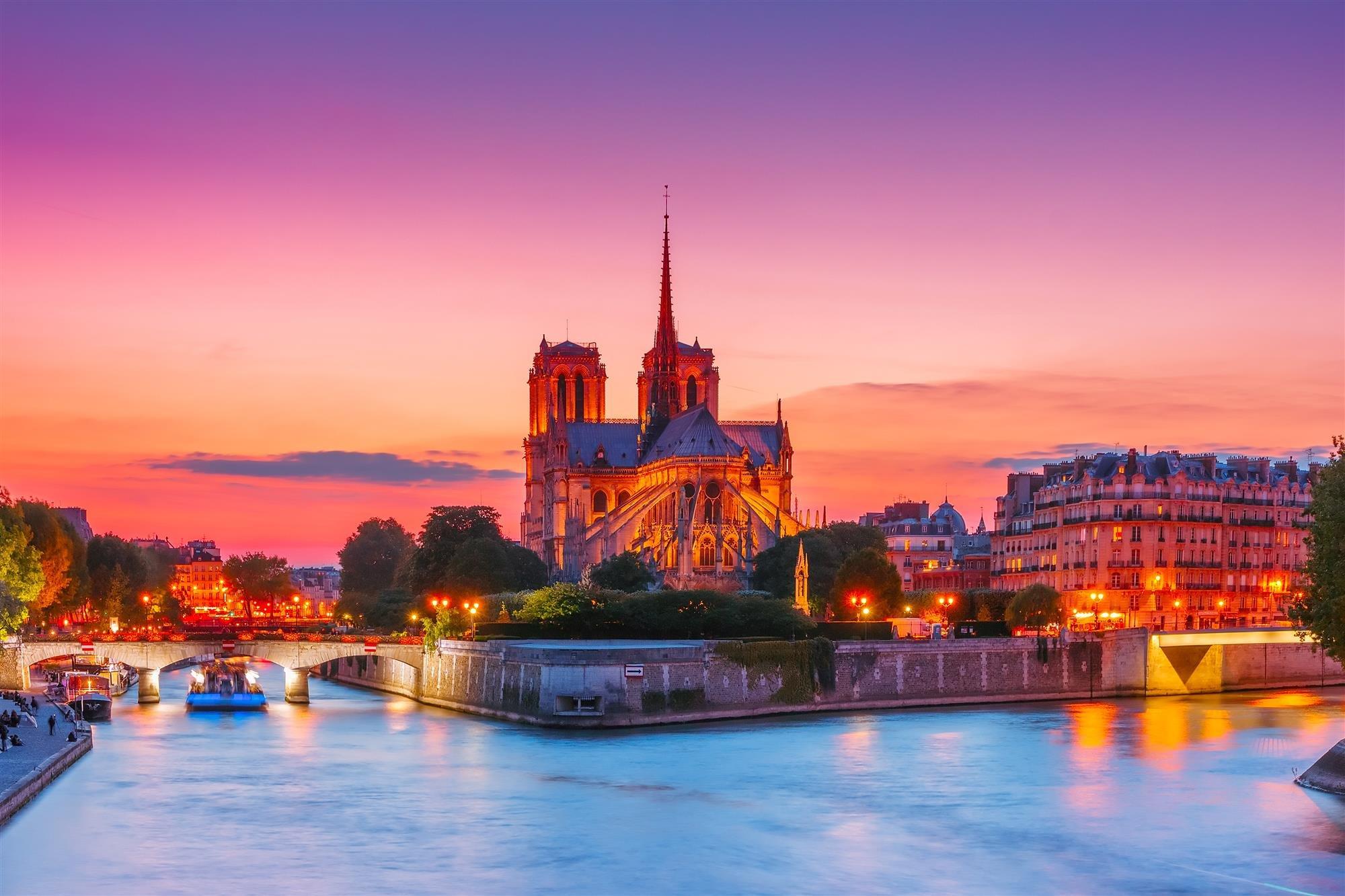 París. París y ruta por el Sena