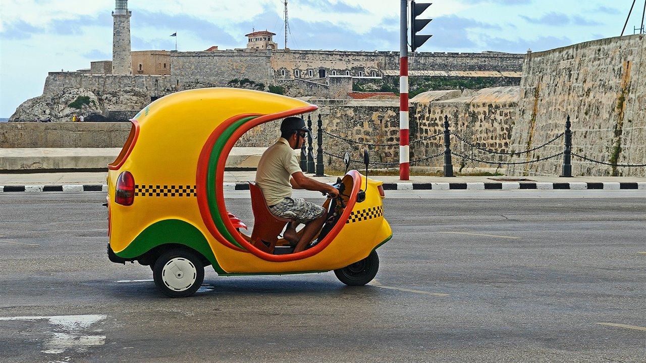Coco-taxi-en-cuba_53d2c68d_1280x720