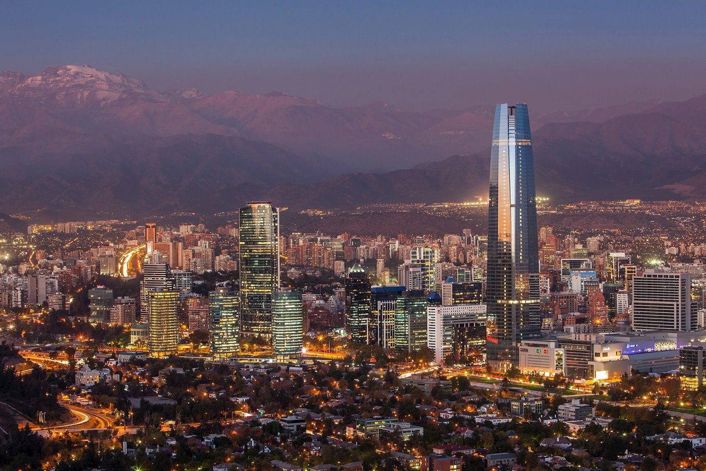 Los 12 rascacielos m s ic nicos del mundo for Construccion de piscinas santiago chile