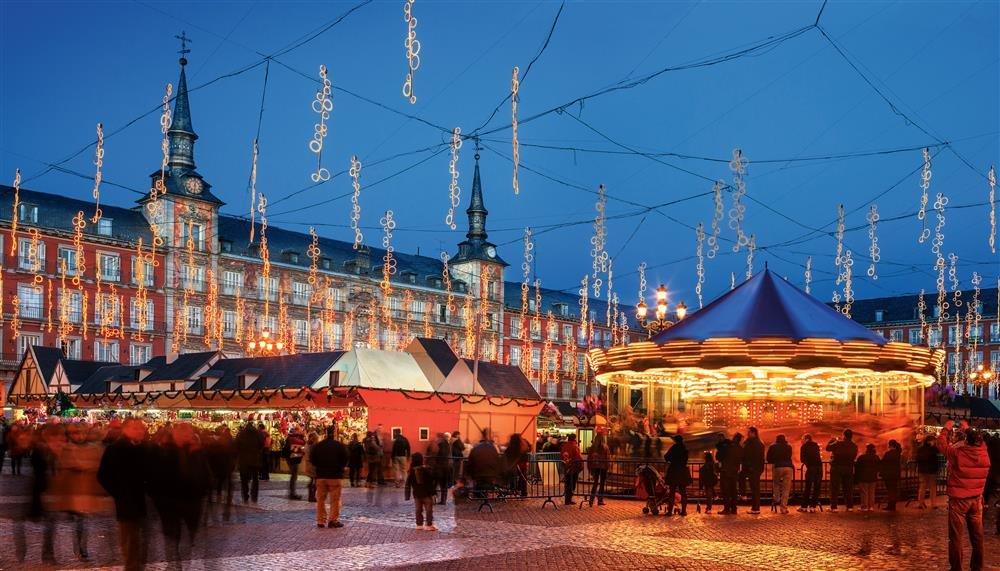 77416956. Mercadillos de Navidad en Madrid