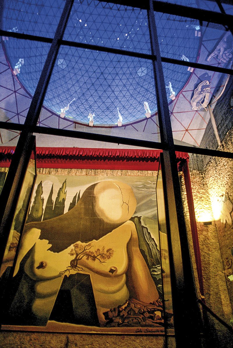 TEATRO-MUSEO DALI. Una mente surrealista