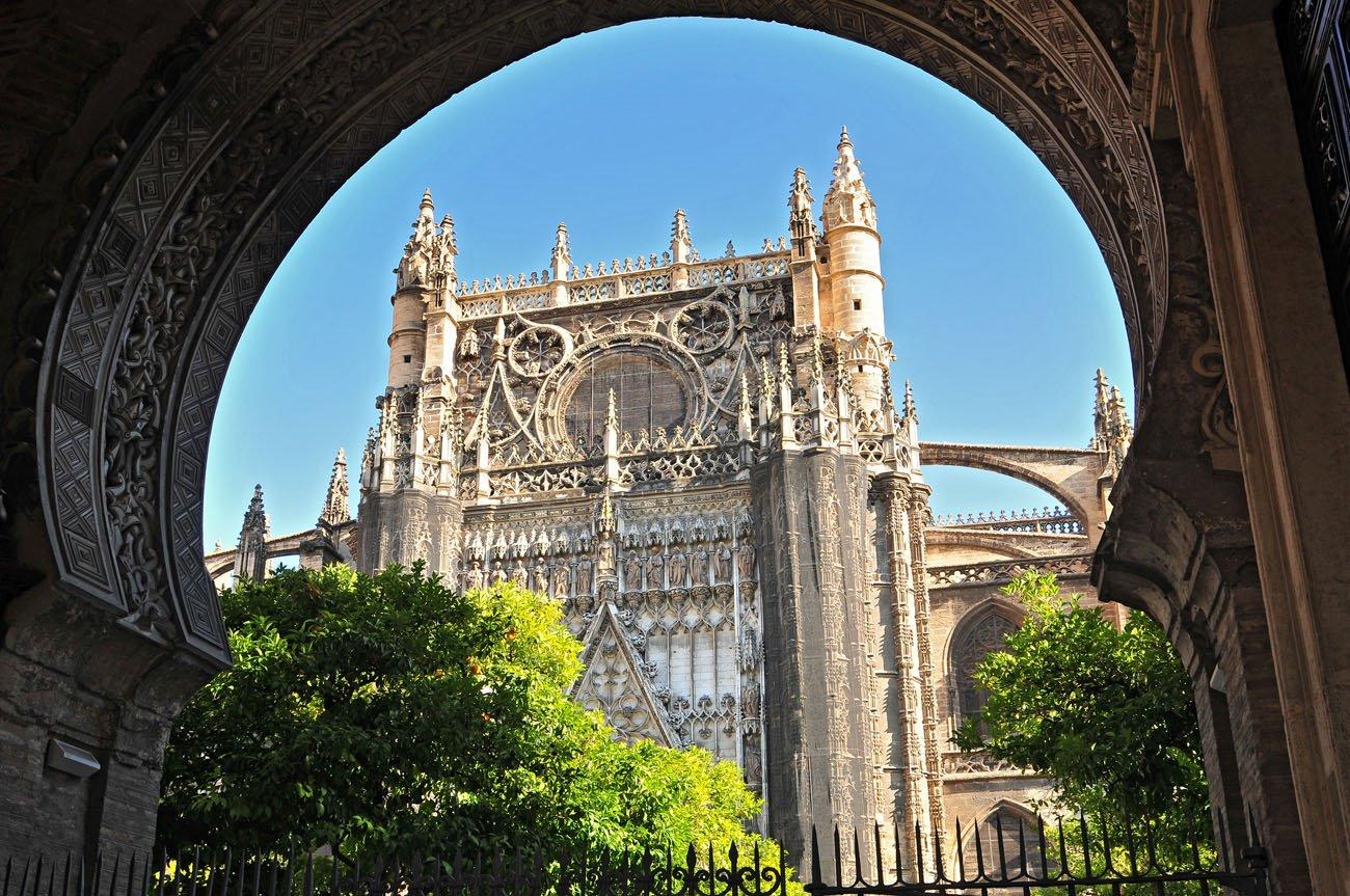 Naranjos en Sevilla. Catedral, Alcázar y Archivo de Indias de Sevilla