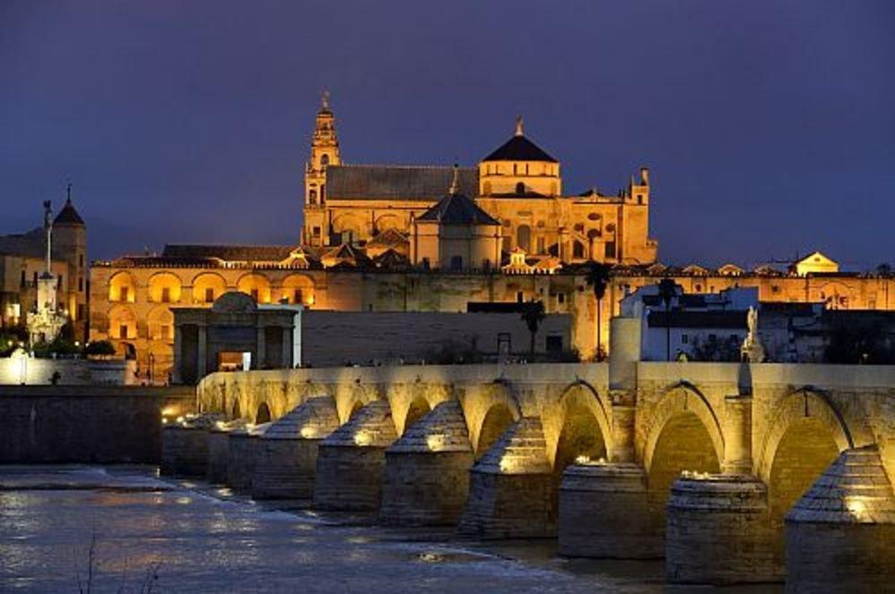 Puente romano de Córdoba.. Centro histórico de Córdoba