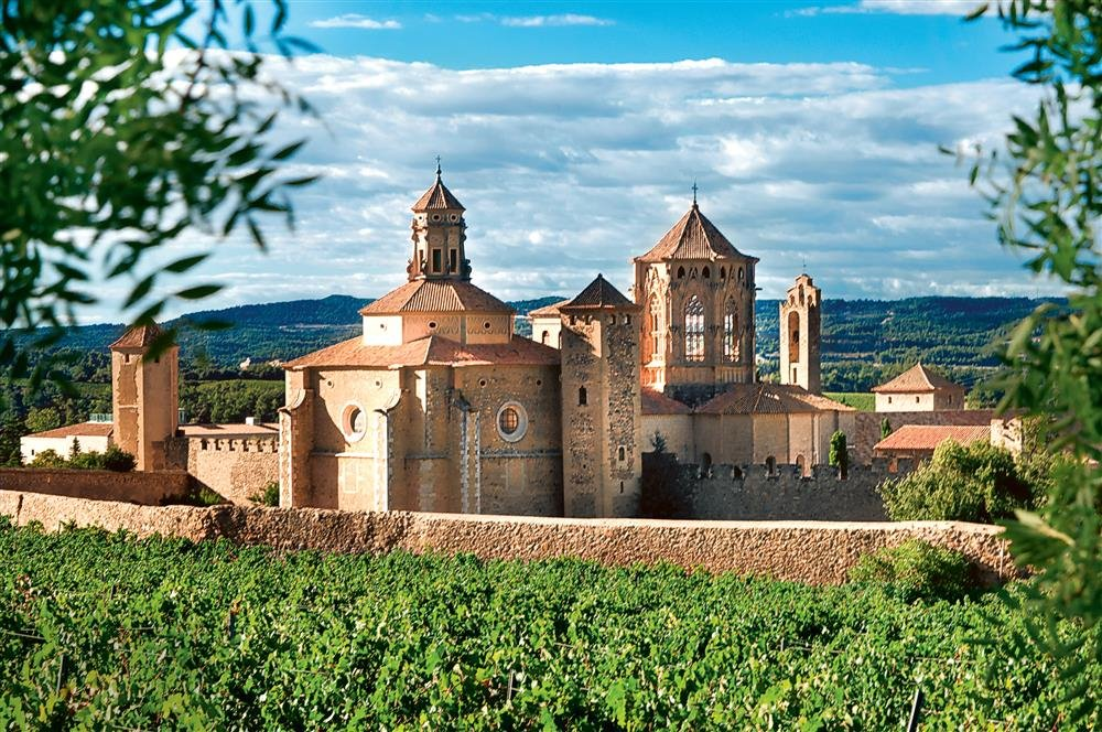 shutterstock 92910025. Monasterio de Poblet