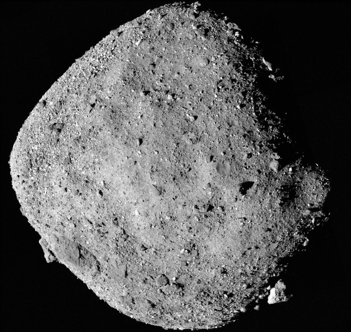 La sonda espacial OSIRIS-REx ha detectado indicios de agua en el asteroide Bennu
