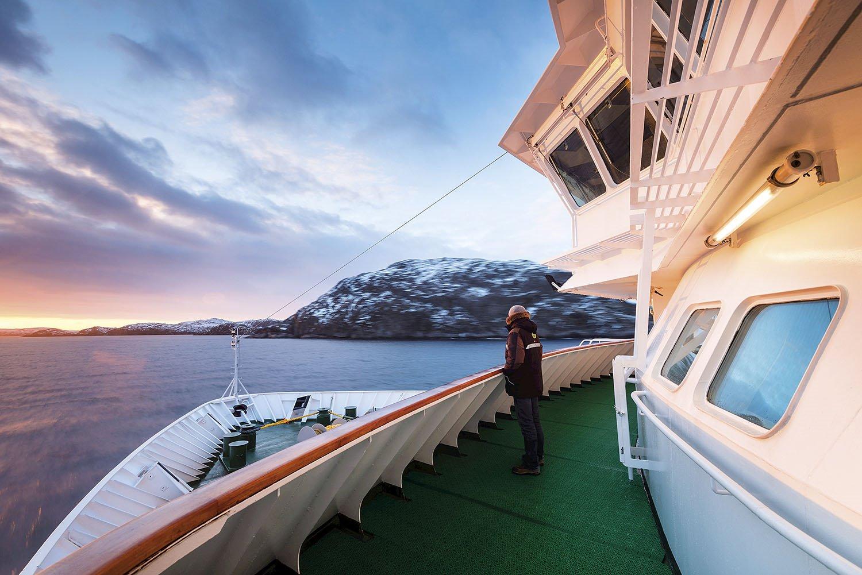 Barco ruta Hurtigruten. 125 años del Hurtigruten