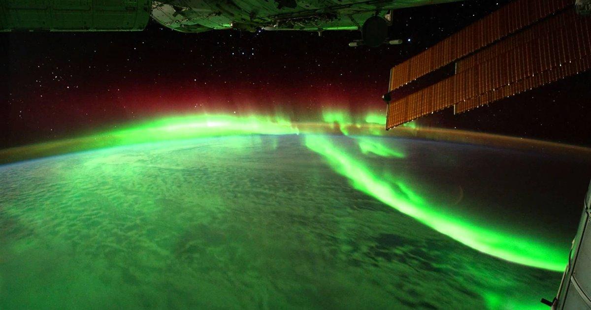 Auroras-boreales-y-australes-desde-el-espacio_fb2ae730_1200x630
