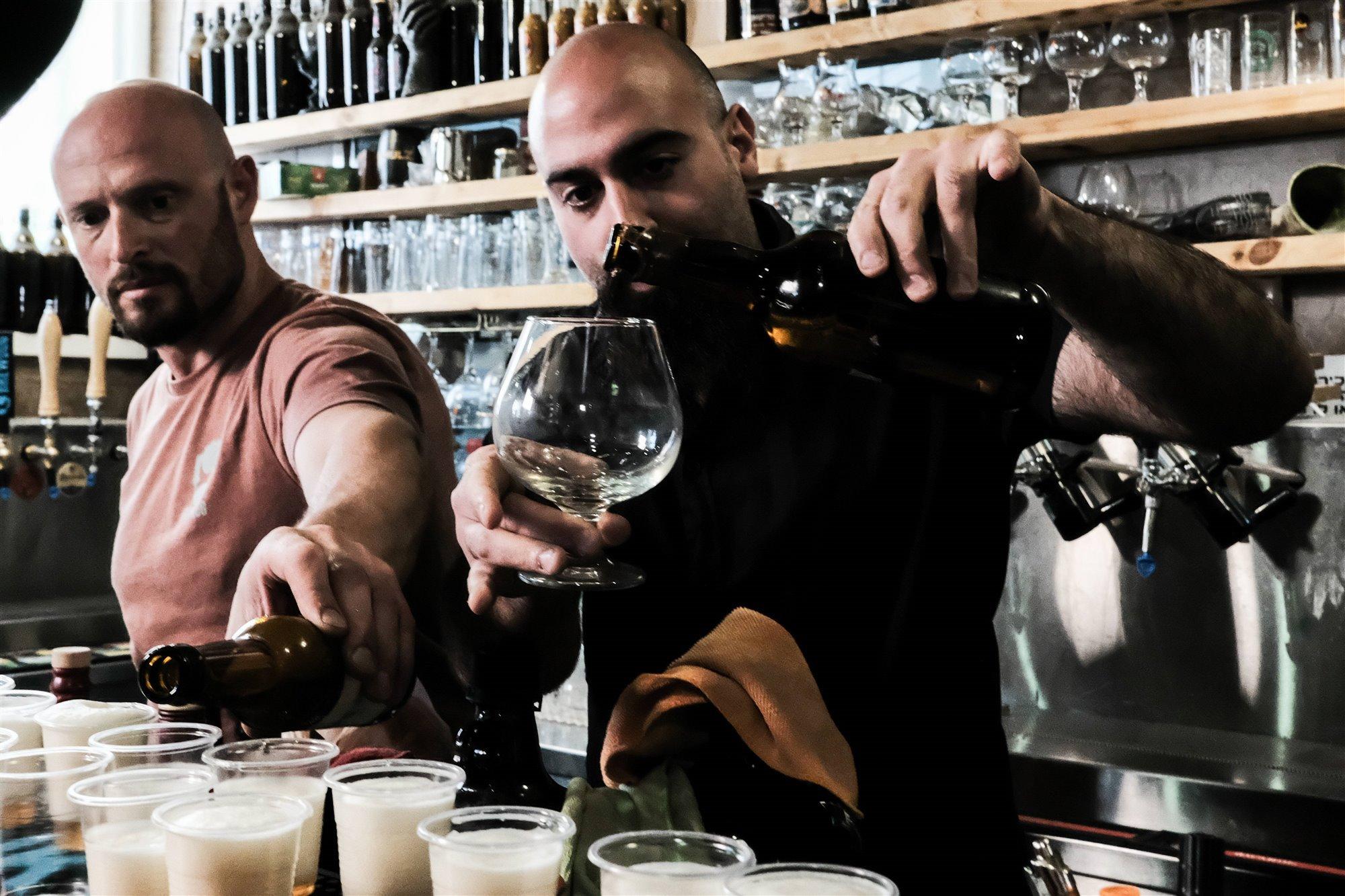 Beber cerveza no es nada novedoso, se han hallado restos de hace unos 13.000 años en el Levante mediterráneo, antes de la invención de la agricultura