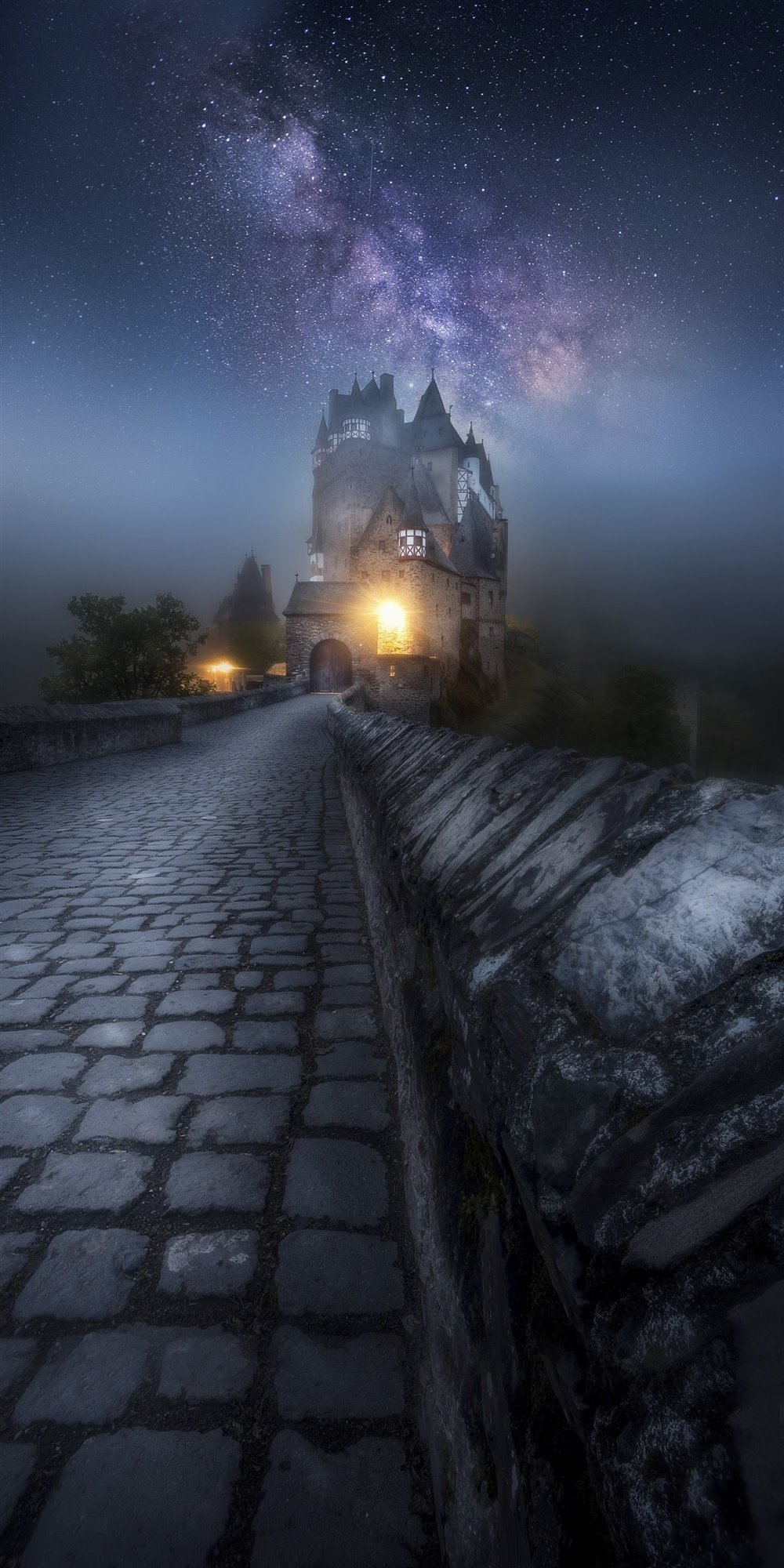 Milky Way- Eltz Castle