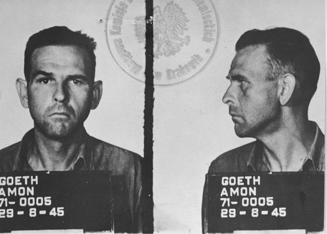 Fotografía de prisionero de Amon Göth tomada en 1945.