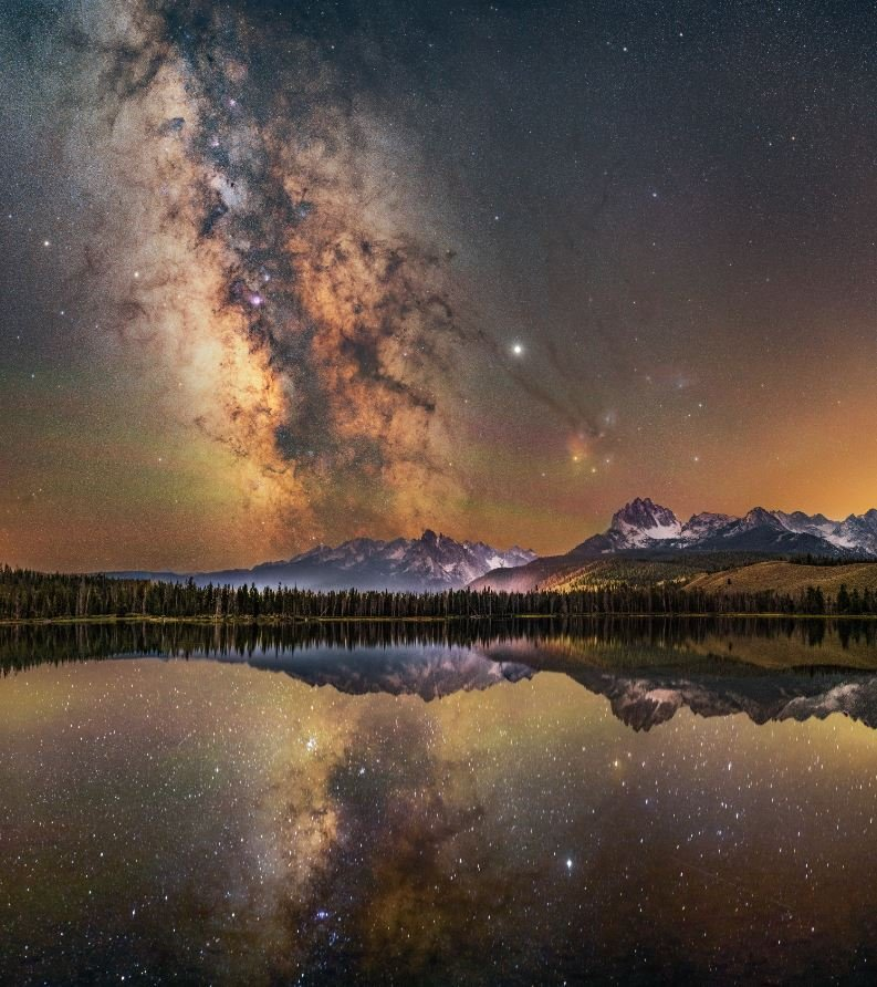 The Red Lake of Stars