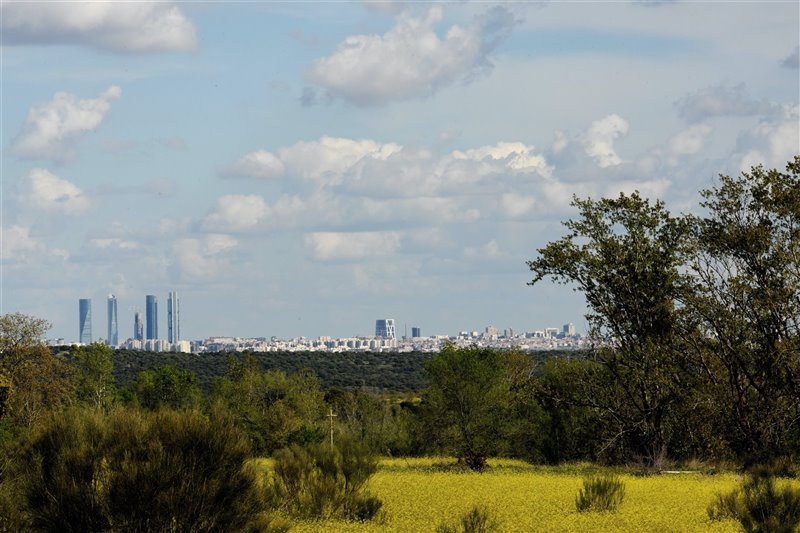 El cielo de Madrid libre de contaminación durante el confinamiento, el pasado 8 de abril.